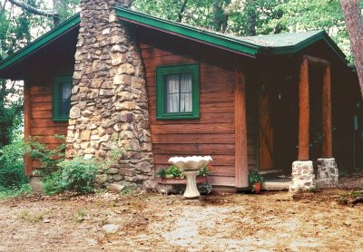 Mid Sized One Bedroom Cabins